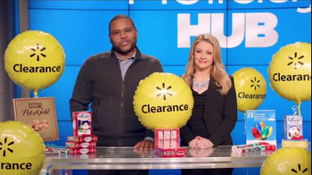Walmart Holiday Clearance Event TV Spot, 'Balloons' Feat. Melissa Joan Hart - Thumbnail 3