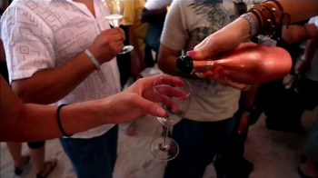 2015 Food Network South Beach Wine & Food Festival TV Spot, 'Get Tickets' - Thumbnail 5