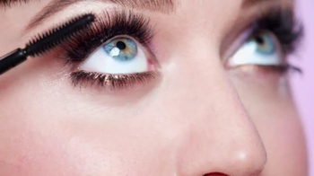 CoverGirl Full Lash Bloom TV Spot, 'Como una Flor' Con Katy Perry [Spanish] - Thumbnail 4