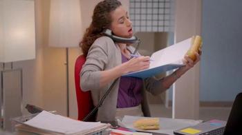 KFC $5 Fill Up TV Spot, 'Almuerzo' [Spanish] - Thumbnail 4