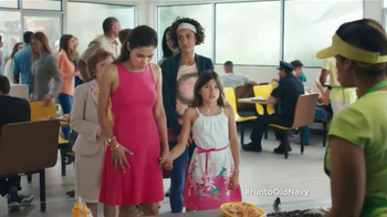 Old Navy TV Spot, 'Vestidos' Con Dascha Polanco [Spanish] - Thumbnail 3