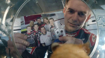 Sprint TV Spot, 'Framily Spin-Off' - Thumbnail 3