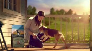 Hill's Ideal Balance Dog Food TV Spot, 'Balanced Ingredients' - Thumbnail 6