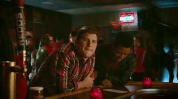 Redd's Apple Ale TV Spot, 'Jukebox' - Thumbnail 2