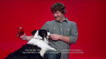 Milk-Bone Brushing Chews TV Spot, 'Ted with a Twist' - Thumbnail 7