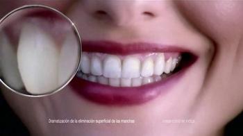 Crest 3D White Luxe TV Spot, 'Dientes' Con Shakira [Spanish] - Thumbnail 5