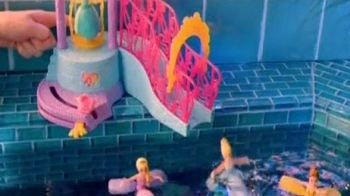 Disney Princess Water Palace Playset TV Spot, 'Petal Float Princess Doll' - Thumbnail 5