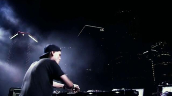 Universal Music Group TV Spot, 'Avicii' - Thumbnail 5