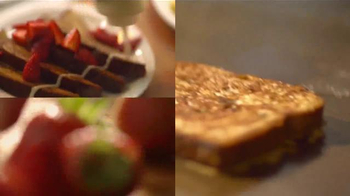 Denny's Build Your Own French Toast TV Spot [Spanish] - Thumbnail 4