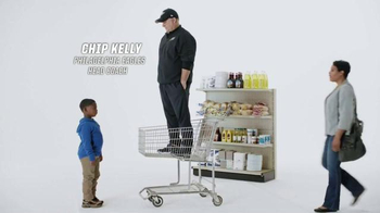 Tostitos Scoops TV Spot, 'Official Chip of the NFL: Cart' Feat. Chip Kelly - Thumbnail 3