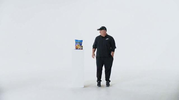 Tostitos TV Spot, 'Official Chip of the NFL' Featuring Chip Kelly - Thumbnail 3
