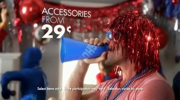 Party City TV Spot, 'The Ultimate Fan' - Thumbnail 4