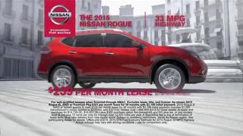 2015 Nissan Rogue TV Spot, 'Bull Chase' - Thumbnail 5