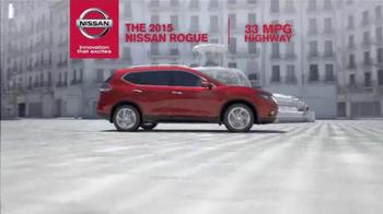2015 Nissan Rogue TV Spot, 'Bull Chase' - Thumbnail 6