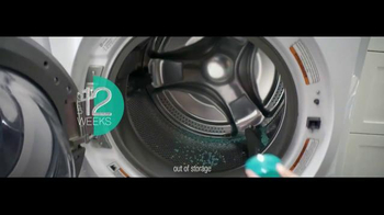 Downy Unstopables Scent Booster TV Spot, 'How Champagne Tastes' - Thumbnail 7