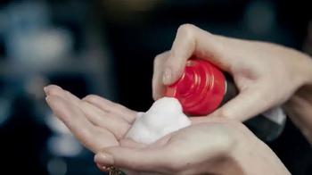 TRESemme Perfectly (un)Done TV Spot, 'Loose Waves' Ft. Sarah Jagger - Thumbnail 7