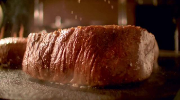 Outback Steakhouse No Worries Wednesday TV Spot, 'Three Course Meal' - Thumbnail 4