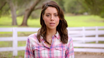 Newcastle Brown Ale TV Spot, 'Call for Brands' Featuring Aubrey Plaza - Thumbnail 4