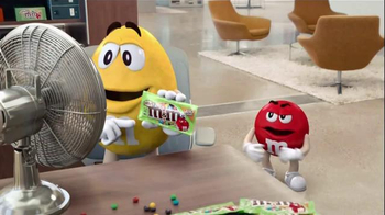 Crispy M&M's TV Spot, 'Fans' - 15616 commercial airings