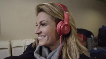 Beats Audio Solo2 TV Spot, 'Solo Selfie: Fox Sports' Featuring Erin Andrews - Thumbnail 8