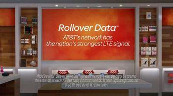 AT&T Rollover Data TV Spot, 'Really Appreciate' - Thumbnail 9