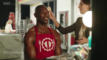 Wix.com Super Bowl Campaign TV Spot, 'See What Terrell Owens is Up to Now' - Thumbnail 2