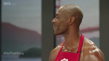 Wix.com Super Bowl Campaign TV Spot, 'See What Terrell Owens is Up to Now' - Thumbnail 5