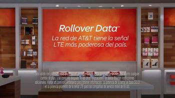 AT&T Rollover Data TV Spot, 'Flan' [Spanish] - Thumbnail 10