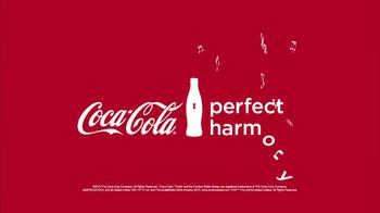 Coca-Cola TV Spot, 'American Idol Finale' Featuring Ryan Seacrest - Thumbnail 7