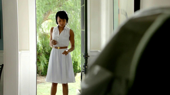 2013 Buick Regal Turbo TV Spot, 'Sewing White Quilt' - Thumbnail 5