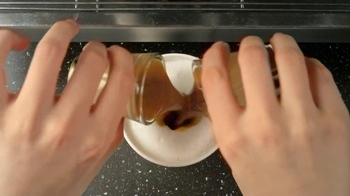 Starbucks Hazelnut Macchiato TV Spot, 'Fresh Coffee' - Thumbnail 8