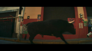 Travelocity TV Spot 'Running with the Bulls' - Thumbnail 4