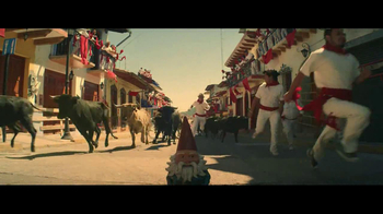 Travelocity TV Spot 'Running with the Bulls' - Thumbnail 5