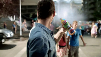 Lipton 100% Natural TV Spot, 'Street Party' Song by Givers - Thumbnail 3