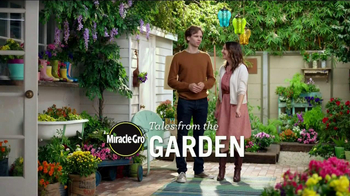 Miracle-Gro Moisture Control TV Spot, 'Couple' - Thumbnail 1
