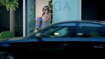 Aveeno TV Spot, 'Beauty Brands' Featuring Jennifer Aniston - Thumbnail 4
