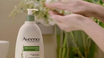 Aveeno TV Spot, 'Beauty Brands' Featuring Jennifer Aniston - Thumbnail 8