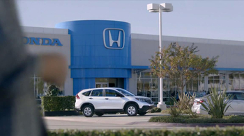 2013 Honda CR-V TV Spot, 'Growling Dog' - Thumbnail 2