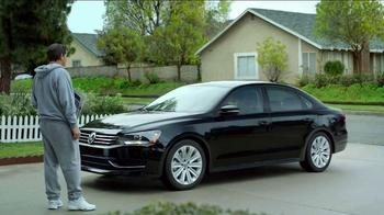 Volkswagen Springtoberfest TV Spot, 'Last One' - Thumbnail 7