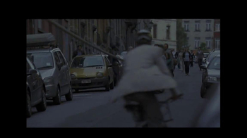 BNP Paribas TV Spot, 'Tug of War' Song by The Middle East - Thumbnail 2