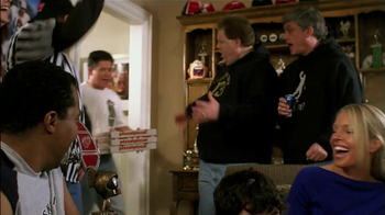 Little Caesars Pizza TV Spot, 'Basketball Party'  - Thumbnail 6