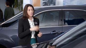 2013 Chevrolet Equinox LS TV Spot, 'Ice Pack' - Thumbnail 6