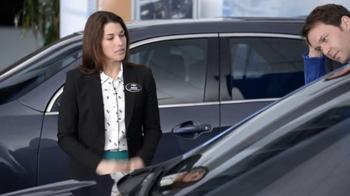 2013 Chevrolet Equinox LS TV Spot, 'Ice Pack' - Thumbnail 7