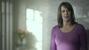 Jenny Craig TV Spot 'Leah: Photos' Song Katrina and the Waves - Thumbnail 2