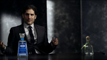1800 Tequila Silver TV Spot, 'Kick Back' Featuring Michael Imperioli - Thumbnail 3
