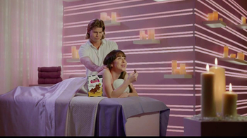 Skinny Cow Divine Filled Chocolates TV Spot, 'Massage' - Thumbnail 4