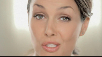 Garnier Ultra-Lift Targeted Line Smoother TV Spot - Thumbnail 10