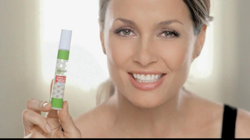 Garnier Ultra-Lift Targeted Line Smoother TV Spot - Thumbnail 3