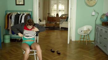 Vaseline Spray & Go Moisturizer TV Spot, 'Jeans' - Thumbnail 5
