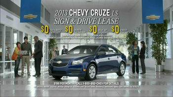 2013 Chevrolet Cruze LS TV Spot, 'MPG Enginuity' - Thumbnail 10